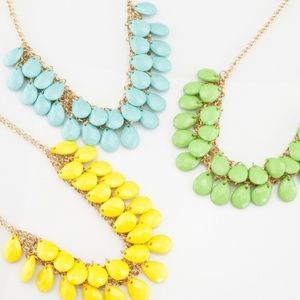 """Statement necklace  in color """"raindrops"""""""